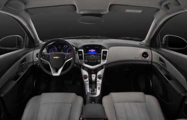Chevrolet-Cruze-2012-interior